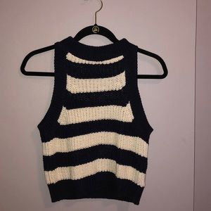 knit tank/ slightly cropped top